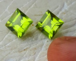 4.10 Cts.Magnificient Top Sparkling Intense Green Peridot