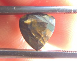 2.85ct TIGER EYE TRILLION FACETED SPECIMEN GEMSTONE FROM MOZAMBIQUE