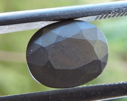 4.20ct HEMATITE OVAL FACETED SPECIMEN GEMSTONE FROM TANZANIA