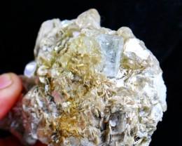 793 CT natural aquamarine combine mica specimens