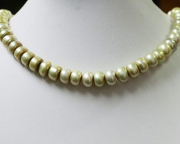 Pistacho Large Button Natural Pearl strands  GOGO 858