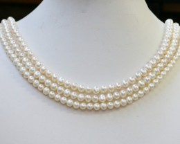 298.05 Three white side drill /round 6 mmNatural Pearl strands  GOGO965