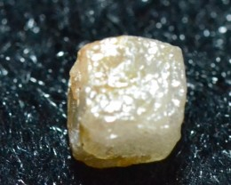 3.40ct 7.4mm Diamond Cube light brown champagne