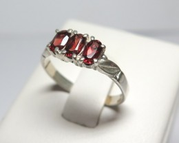 Natural Garnet 3 Stone Bridge Dress solid 925 Silver Ring