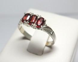 Natural Garnet 3 Stone Bridge Dress solid 925 Silver Ring