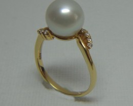 Australian South Sea 9mm Pearl 18k Yellow Gold and Diamond Ring