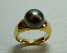 Tahitian Black 10.5mm AA Pearl 18k Yellow Gold Ring