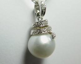 South Sea Pearl and Diamond & 18k White Gold Pendant