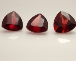3pcs Vivid Red Pyrope Garnets - 4.1ctw - 7mm Trillion - Eye Clean