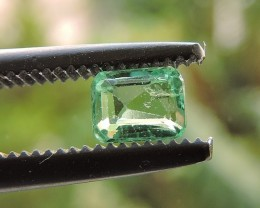 0.19ct EMERALD GEMSTONE FROM COLOMBIA BLUISH GREEN
