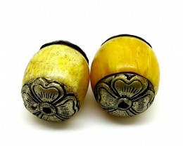 Nepalese yellow Resin Brass 2 Beads 21x18mm 45 cts  antique collection qual