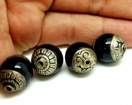 Nepalese Black onix Brass 4 Beads 17x14mm 85 cts  antique collection qualit