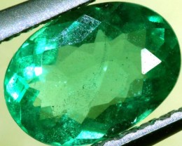 FREE SHIPPING ——— 0.76 CTS EMERALD FACETED STONE ANGC-630