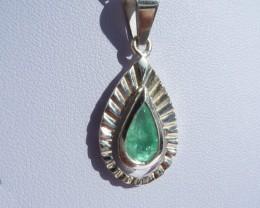 0.82 ct Colombian Emerald Pendant