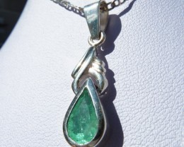 1.0 ct Colombian Emerald Pendant