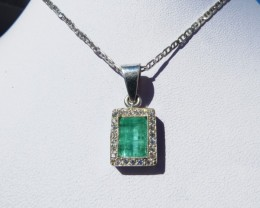 1.08  ct Colombian Emerald Pendant