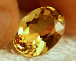 5.69 Carat VS Golden Brazil Beryl - Gorgeous