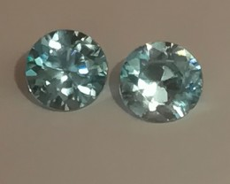 A Top Grade Pair of Sparkling Blue Zircon gems - No reserve