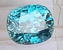 5.66cts,  Blue Zircon,  VVS1 Eye Clean,  Full of Fire,  Sapphire Blue
