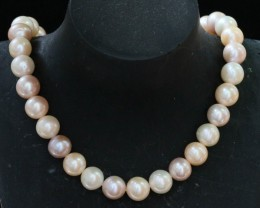 305 cts 10 mm top luster Pearl strand. GOGO 1320