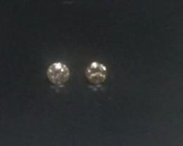 2 x 0.03 ct diamond L SI
