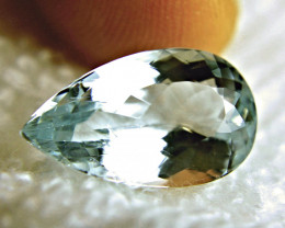 7.65 Carat VVS2 Brazilian Aquamarine - Superb
