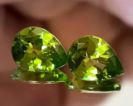 TOP MAGNIFICENT PERIDOT PAIR HUGE 9.00MM GEMS