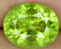 4.6 ct Natural Beautiful Peridot Gemstone From Pakistan