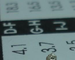 0.015 ct diamond H VS2