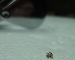 0.04 ct diamond J VS2 1$
