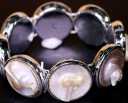 Palette of Colours natural   Pearl Brac;let   PPP 1187
