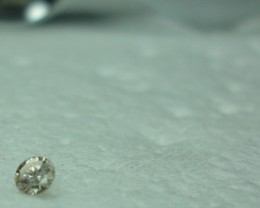 0.08 ct very light champagne diamond L SI2