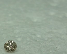 0.09 ct very light champagne diamond J VS1 - From my personal collection.