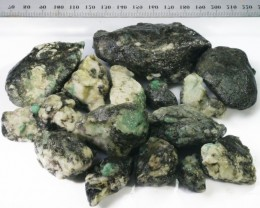 497g Australian Curlew Mine Emerald rough Specimens PPP 48