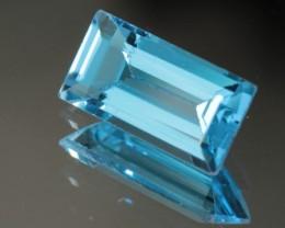 5.315 CT BLUE TOPAZ - VVS!  BEAUTIFUL CUT!