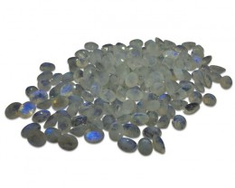 12 ct Rainbow Moonstone 9x7 Oval