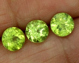 2.60CTS GREEN PERIDOT FACETED PARCEL 3PCS   CG-2234