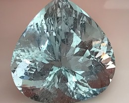 21.90ct Aquamarine - Extreme luster, wonderful color Handsome stone