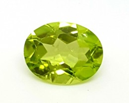 FANTASTIC luster Green Peridot 1.95 Cts