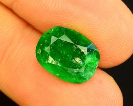4.40 CT Untreated Vivid Green Emerald