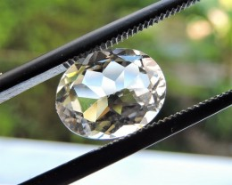2.95ct TOPAZ OVAL FACETED GEMSTONE FROM BRAZIL