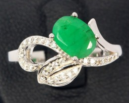 16ct Size 7.5 Green Emerald with CZ Sterling Silver 925 Ring