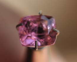 2.50 ct pink spinel.