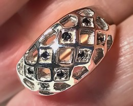 A SAPPHIRE STERLING SILVER Ring Size 7 NO RESERVE