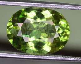 4.55 CT NATURAL BEAUTIFUL RUTILE PERIDOT GEMSTONE