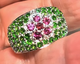 A MAGNIFICENT CHROME DIOPSIDE RHODOLITE Ring Size 9