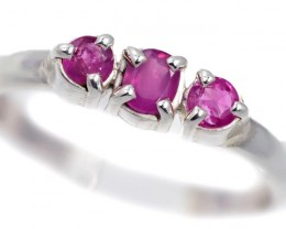 SIZE 8 PINK AUSTRALIAN SAPPHIRES SET IN SILVER RING [SJ4522]