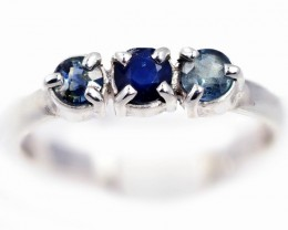 SIZE 7 BLUE AUSTRALIAN SAPPHIRES SET IN SILVER RING [SJ4545]