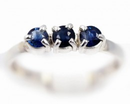 SIZE 7 BLUE AUSTRALIAN SAPPHIRES SET IN SILVER RING [SJ4550]