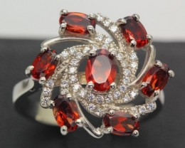 22.99ct Stamped 925 Silver Ring Size 8 Natural Garnet with Cubic Zirconia